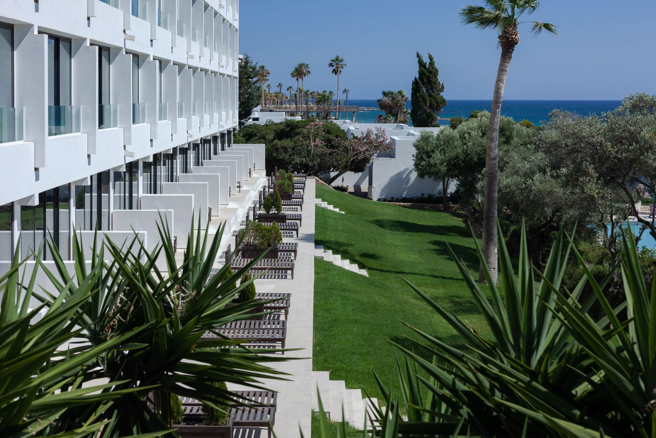 <span>Кипр, Almyra, 5* Пафос<br>Полупансион или полный пансион для детей - бесплатно!</span>