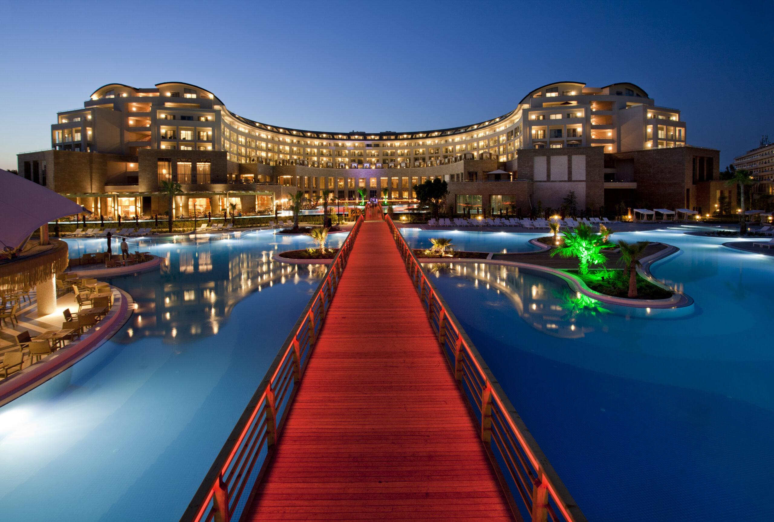 Специальное предложение от роскошного отеля <br>Kaya Palazzo Golf Resort 5*